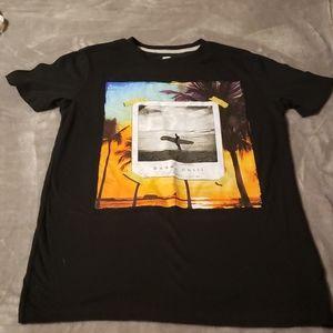 ❤ 3/$20 - Old Navy Boys Tshirt. Size 14/16